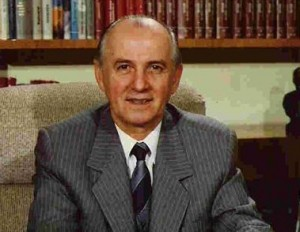 Ramiz Alia, pjesmarrës dhe mbështetës i masakrave sllavokomuniste në Kosovë gjatë kohës së ripushtimit serb
